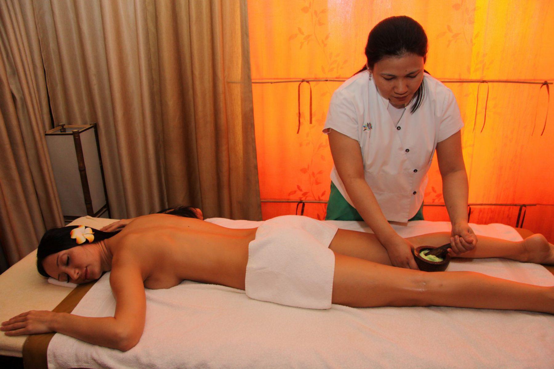 Секс принудительный на массаже, Порно видео с массажем, делает массаж парню 24 фотография